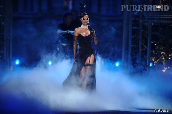 Rihanna a fait sensation dans sa robe Vivienne Westwood.