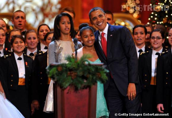 """Barack Obama fait honte à ses filles en dansant le """"Gangnam Style""""."""