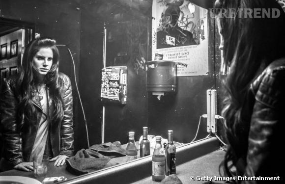 Lana Del Rey en backstage au Roxy Theatre lors de sa prestation au Camp Freddy's Holiday Residency dans le quartier de West Hollywood.