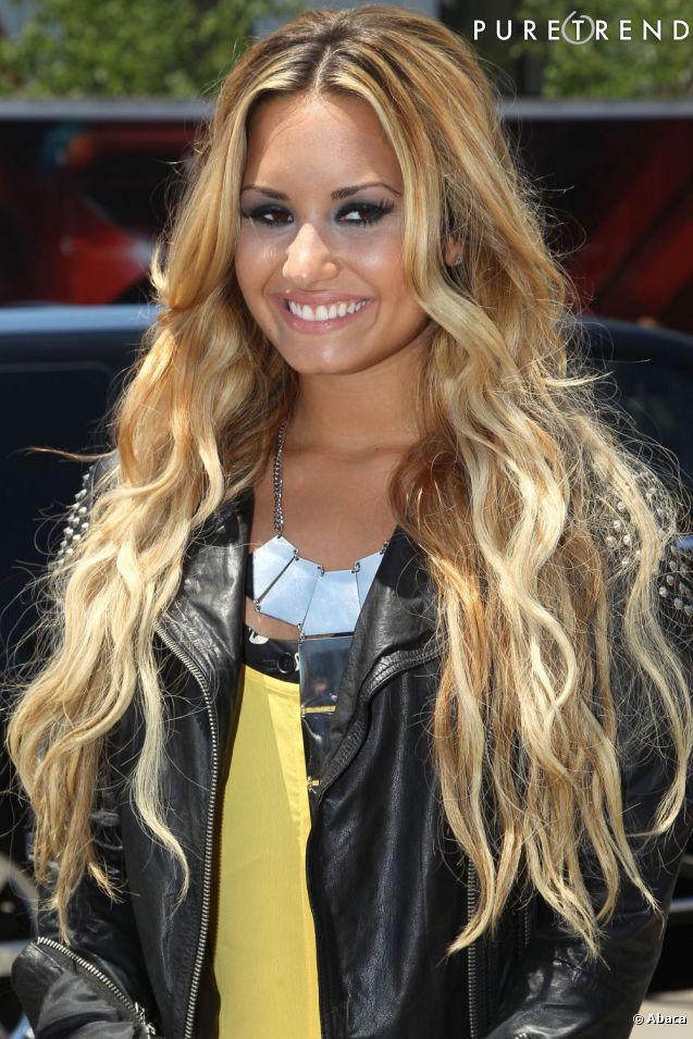 Lévolution beauté de Demi Lovato : Ses sourcils, voilà