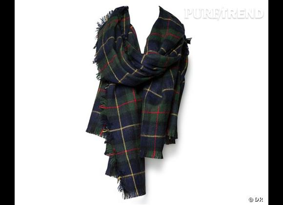Tendance carreaux écossais : le tartan     Echarpe Zara, 22,99 € soldé sur  www.zara.com