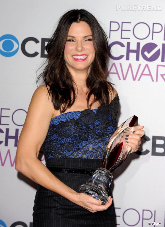 Sandra Bullock, meilleur engagement humumanitaire aux People's Choice Awards 2013.