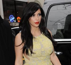 Kim Kardashian : volants et froufrous a gogo pour la promo de ''Kourtney and Kim Take Miami''