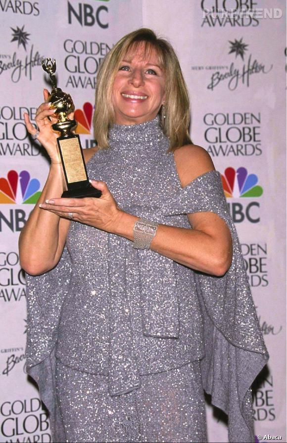 Barbra reçoit un prix aux Golden Globes 2000.
