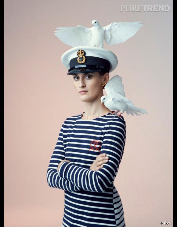 Yelle  pose pour la deuxième collection capsule inédite de  Petit Bateau  et  Kitsuné .