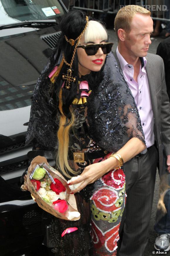 Lady Gaga a de curieuses demandes en ce qui concerne sa loge. Elle demanderait par exemple un mannequin aux poils pubiens roses...