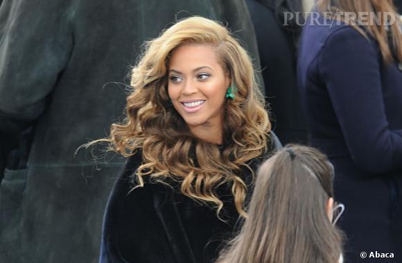 Beyoncé a bien failli ne jamais porter ses boucles d'oreilles Lorraine Schwartz à 1,8 millions de dollars lors de l'investiture de Barack Obama car elle les avait égarées.