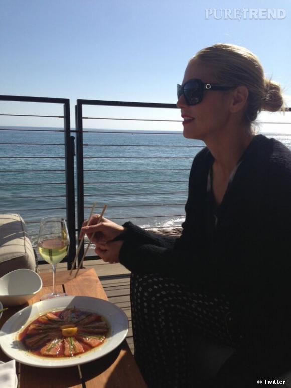 Heidi Klum dîne au restaurant Nobu à Miami... Joli décor !