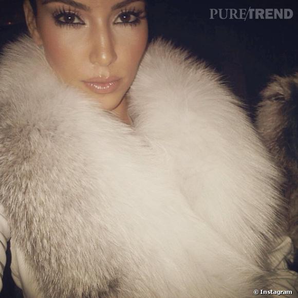 Kim Kardashian aime beaucoup la fourrure. Une passion que n'apprécie pas la PETA...