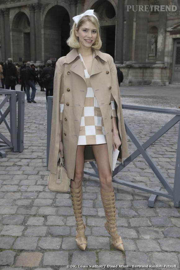 Elena Perminova chez Louis Vuitton.