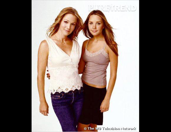 """Amanda Bynes est alors la star de la sitcom """"Ce que j'aime chez toi"""", où elle joue la petite soeur de Jennie Garth, alias Kelly dans """"Beverly Hills""""."""