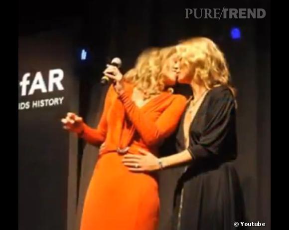 Kate Moss et Sharon Stone ont récemment fait la Une des tabloïds avec leur échange de baiser.