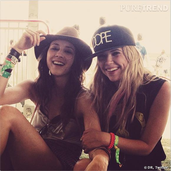 """Ashley Benson et Troian Bellisario : les actrices de """"Pretty Little Liars"""" sont de sortie pour Coachella !"""