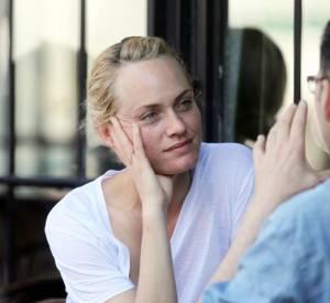 Les mannequins sans maquillage : Amber Valletta.