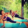 Gisèle Bundchen durant une séance de yoga au beau milieu de la forêt tropicale.