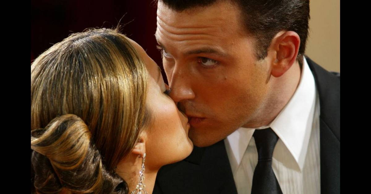 Couple : voici 9 manières d'embrasser votre partenaire!