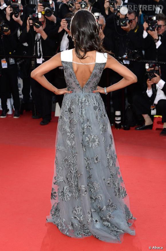 Zoe Saldana et sa robe Valentino au dos nu sensuel.