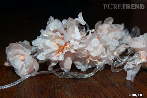 Carnet de mariage, les dernières retouches :  Coup de coeur pour les couronnes de fleurs.