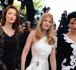 """Audrey Marnay, Arielle Dombasle et Farida Khelfa à la montée des marches du film """"Nebraska""""."""