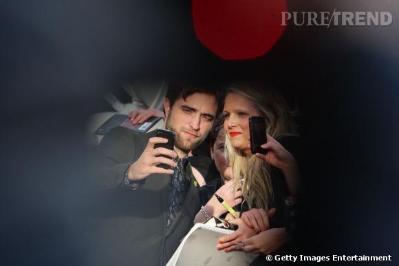Robert Pattinson... son nouveau type de femmes ? Les blondes !