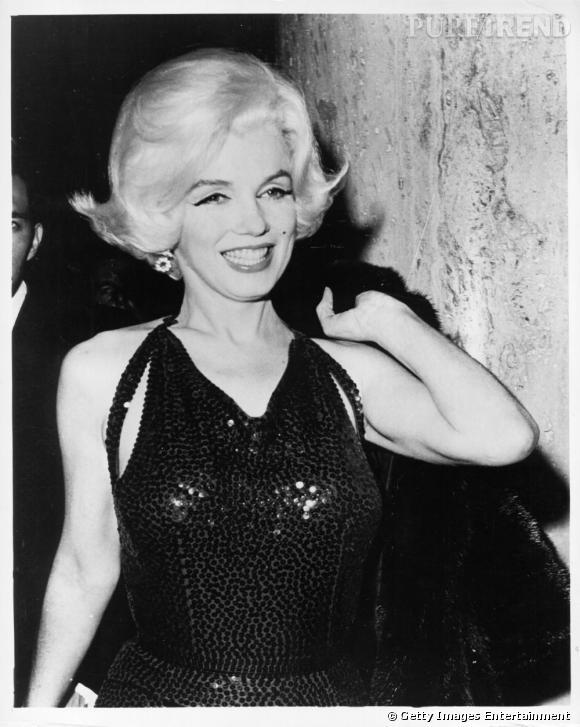 Marylin Monroe, en 1962, année de sa mort, elle a minci et n'est que l'ombre d'elle-même atteinte d'une névrose sans précédent.
