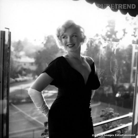 Marylin Monroe élégante et souriante en 1958.