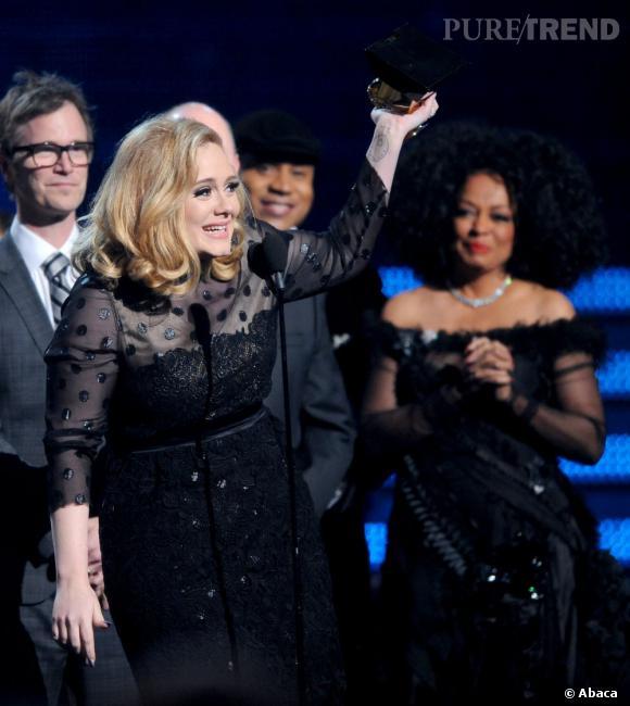 Adele, son album 21 en voie de battre un record historique de longévité dans le Top 40 du Billboard.