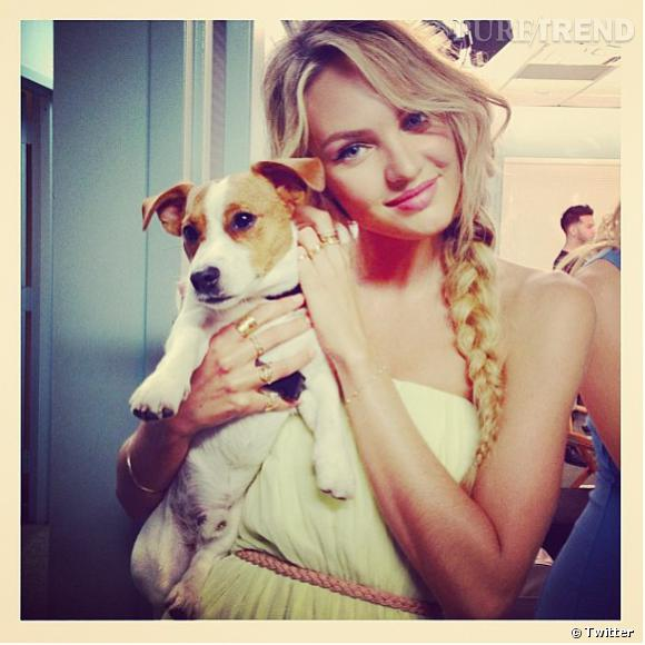 Candice Swanepoel, toujours aussi belle pour ses shootings photo !