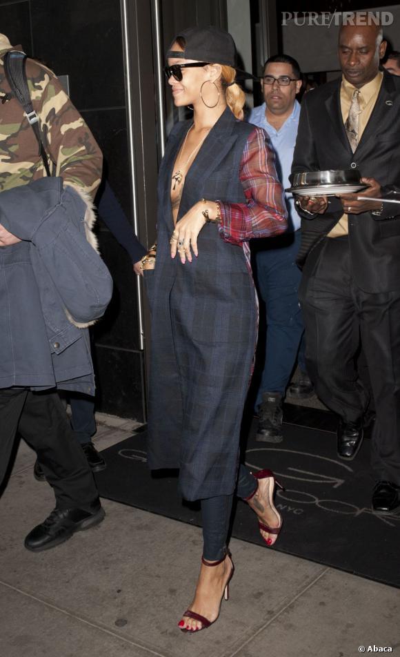 Pour adopter les carreaux version Printemps-Eté 2013 copiez le look de Rihanna