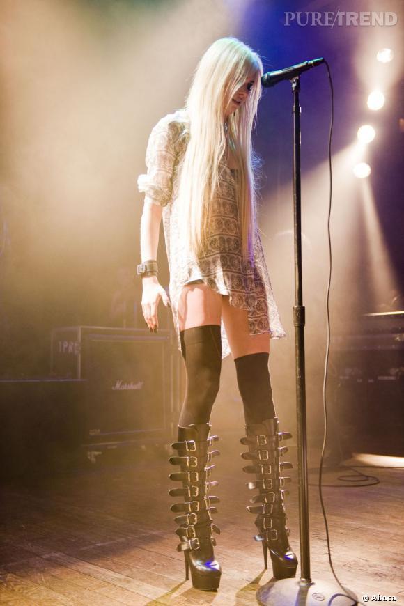 """Quand elle n'est pas mannequin, Taylor Momsen est la chanteuse du groupe """"The Pretty Reckless""""."""