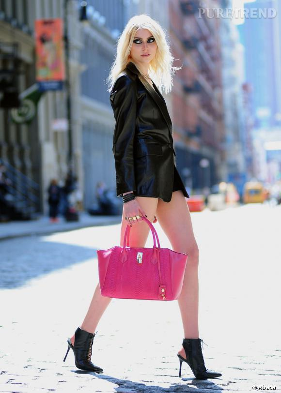 Taylor Momsen fait son grand retour dans le monde de la mode et a signé un contrat de mannequin chez Next Model Management.