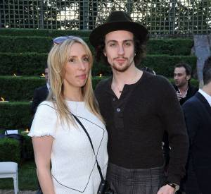 "Sam Taylor-Johnson est officiellement la réalisatrice de ""Fifty Shades of Grey""."