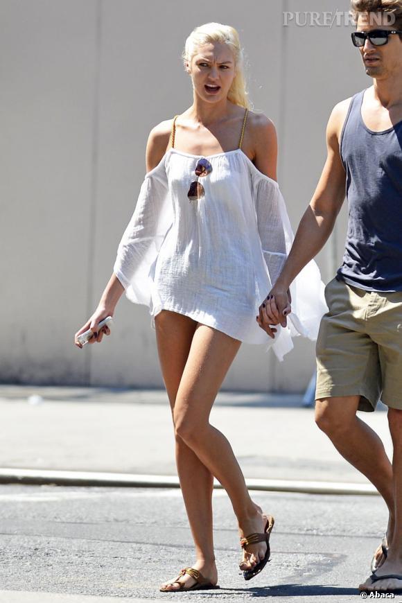 Candice Swanepoel aurait-elle oublié de mettre un short ?