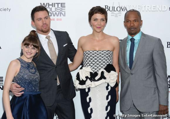 L'équipe du film réunie autour de Maggie Gyllenhaal.