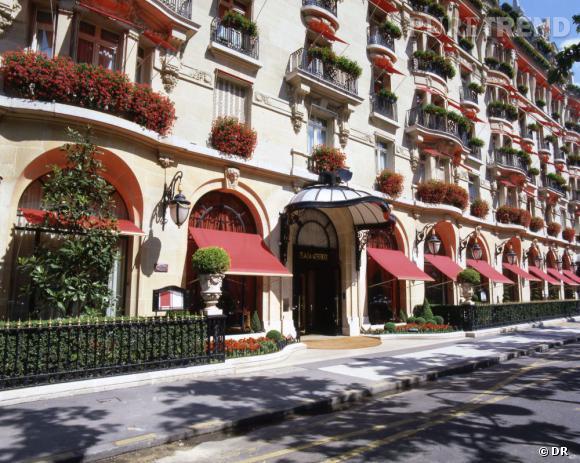 Le Plaza Athénée ferme ses portes pour sept mois de travaux.