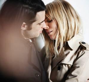 Sienna Miller et Tom Sturridge s'embrassent pour Burberry