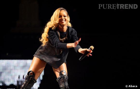 Rihanna toujours aussi sexy sur scène.