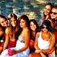 Selena Gomez n'est jamais très loin de sa bande d'amies !