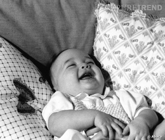 Prince William bébé, l'une des premières photos officielles. On a hâte de voir celle de son enfant.