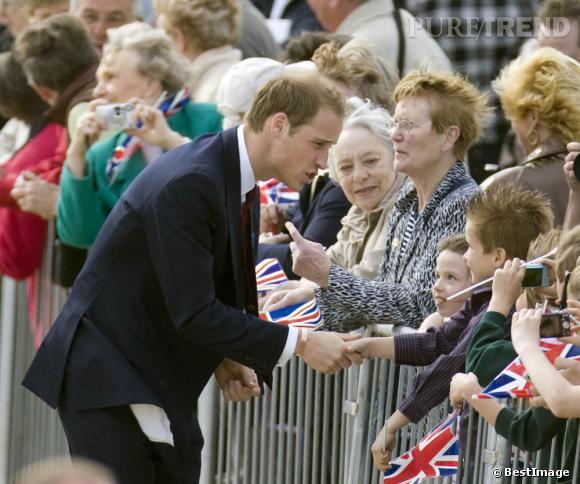 Prince William adore les enfants. Sera-t-il un papa moderne ?