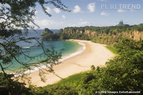 10 top des plus belles plages du monde en 2013 : Plage Baia do Sancho au Brésil.