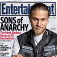 Charlie Hunnam version chef de gang pour Entertainement Weekly.
