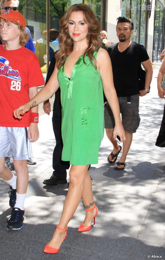 Alyssa Milano se rend aux studios NBC à New York...