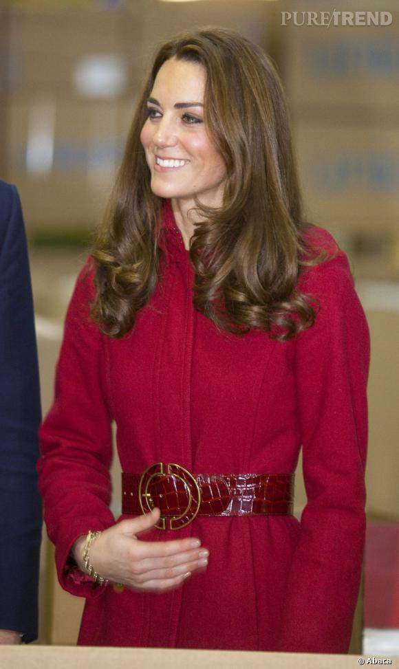 Le brushing bouclé sur les longeurs, l'une des valeurs sûres de Kate Middleton.