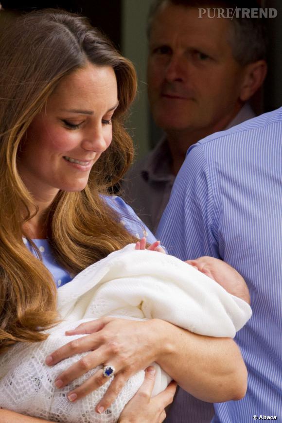 Kate Middleton a décidé d'allaiter le petit George Alexander Louis.
