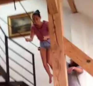 Olivia Munn, accident de balancoire dans son salon : une epaule demise et une grosse rigolade