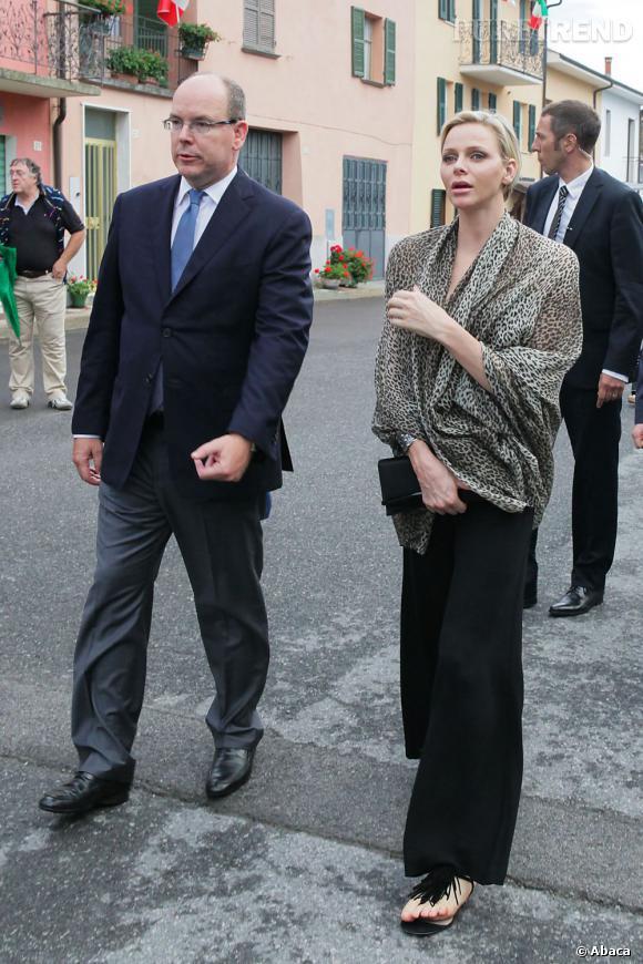 Charlene de Monaco, un look élégant en toute simplicité.