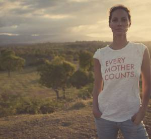 "Christy Turlington Burns soutient les meres avec ""Just like you"" de Citizens of Humanity"