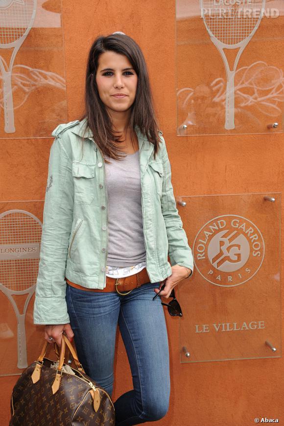 Karine Ferri n'est pas star à porter des couleurs trop flashy. Tant mieux.