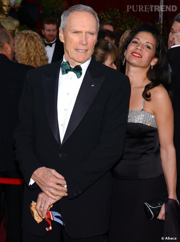 Clint Eastwood serait en couple avec l'ex-femme du nouveau compagnon de Dina Eastwood.